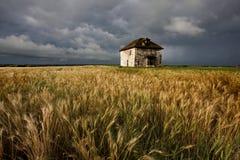 Burz chmur nieba kamienia Preryjny dom obrazy royalty free