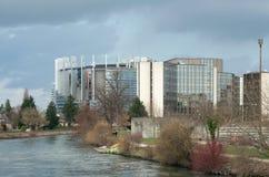 Burz chmury nad parlament europejski i rada   Fotografia Royalty Free