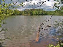 Burz chmury nad czarodziejki Kamień jeziorem w Virginia Zdjęcia Stock