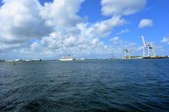Burz chmury nad wodą Obraz Stock