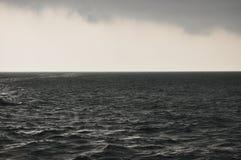 Burza na Jawa morzu Indonezja większy deszcz obrazy stock