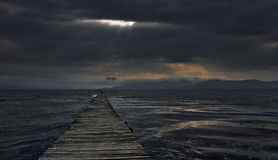 Burza nad jeziorem Zdjęcie Stock