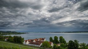 Burza nad Jeziornym Constance czasu upływem zbiory