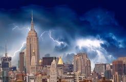 Burza nad Miasto Nowy Jork drapacze chmur Fotografia Stock