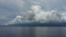 Burza nad wodą Zdjęcia Royalty Free