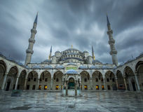 Burza przy Błękitnym meczetem (Sultanahmet) zdjęcie royalty free