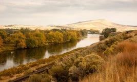 Burza Rozjaśnia Nad grunta rolnego Yakima rzeki centralą Zdjęcie Stock