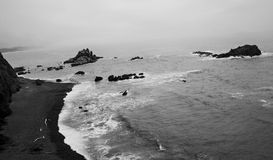 burzliwe na plaży fotografia stock