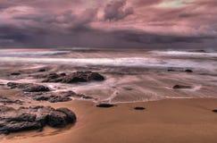 Burzowe chmury nad plażą Obrazy Royalty Free