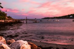 Burzowy lato zmierzchu niebo nad Długą zatoczką w Bristol, Maine Obraz Stock