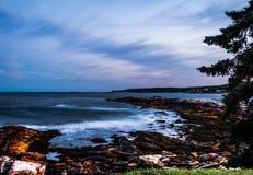 Burzowy lato zmierzchu niebo nad Długą zatoczką w Bristol, Maine Fotografia Royalty Free