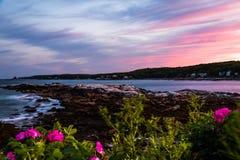 Burzowy lato zmierzchu niebo nad Długą zatoczką w Bristol, Maine Zdjęcie Stock
