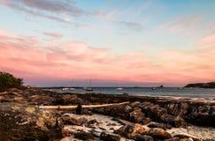 Burzowy lato zmierzchu niebo nad Długą zatoczką w Bristol, Maine Fotografia Stock