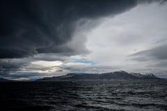 Burzowy niebo nad oceanem zdjęcia royalty free