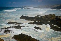 Burzowy ocean w Portugalia zdjęcie royalty free
