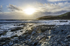Burzowy popołudniowy słońce przy hannafore punktem Looe uk Fotografia Stock