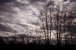 Burzowy straszny dramatyczny nieba cloudscape zdjęcie stock