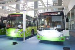 Bus électrique de gaz à la cabine de présentateur Images stock