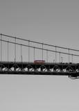 Bus auf San Francisco Bridge lizenzfreie stockfotos