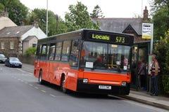 Bus d'annata del dardo nella livrea della pennina a Carnforth fotografie stock libere da diritti