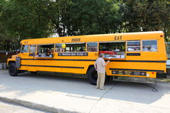 Bus degli alimenti a rapida preparazione Immagine Stock