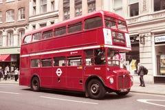 Bus des doppelten Deckers der Weinlese Lizenzfreies Stockfoto