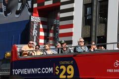 Bus di giro in Times Square New York immagini stock libere da diritti