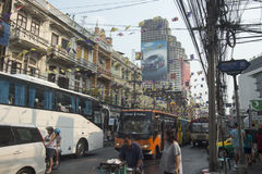 BUS DI VITA DI CITTÀ DELLA RIVA DEL FIUME DELL'ASIA TAILANDIA BANGKOK Fotografie Stock Libere da Diritti