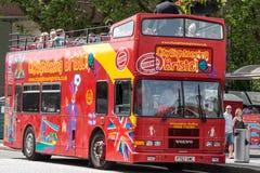 Bus facente un giro turistico della città di Bristol Fotografie Stock
