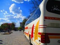 Bus facente un giro turistico, Kamenets Podolskiy, Ucraina Fotografia Stock