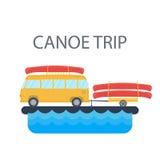Bus giallo per il viaggio ed il campeggio con un rimorchio e una canoa sui precedenti del fiume o del mare Vettore royalty illustrazione gratis