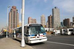 Bus in Manhattan wordt geparkeerd dat Stock Afbeeldingen