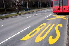 Bus posterar Arkivfoto