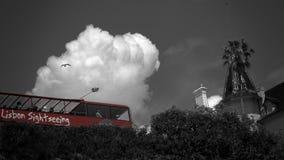 Bus touristique près de Cascais, Portugal Images stock