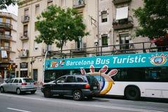 Bus touristisch in Barcelona lizenzfreies stockbild