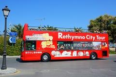 Bus turístico de la ciudad de Rethymno, Creta Fotos de archivo libres de regalías