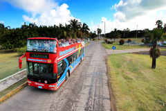 Bus turístico de la playa de Varadero Imágenes de archivo libres de regalías