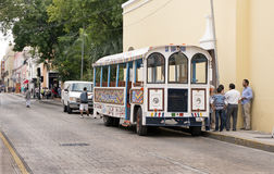 Bus turístico en Mérida, Yucatán México Fotos de archivo libres de regalías