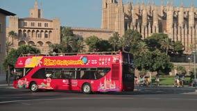 Bus turistico Palma de Mallorca della città archivi video