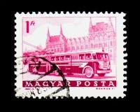 Bus und Parlament, Transport und Telekommunikation serie, circa stockfotografie