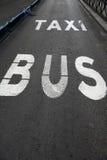 Bus-und Rollen-Weg Lizenzfreie Stockbilder