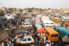 Bus- und tro-trostation bei Kaneshi, Accra, Ghana Lizenzfreies Stockbild