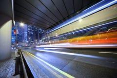 Bus, unscharfe Bewegung. Stockbilder