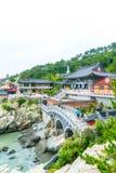 BUSAN, ΝΌΤΟΣ 11.2017 Κορέα-Ιουλίου: Επισκέψεις Haedong Yonggung τουριστών Στοκ Εικόνα