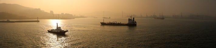 Busan hamn på skymning Royaltyfria Foton
