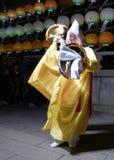 Busan, Korea 4. Mai 2017: Religiöse Ausführende an Samgwangsa-Tempel stockbild