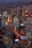 Busan stad på natten arkivbild