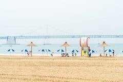 Busan Sydkorea - Juli 11: Gwangan strand en av det populära bet Royaltyfri Bild