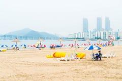 Busan Sydkorea - Juli 11: Gwangan strand en av det populära bet Arkivfoto