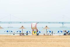 Busan Sydkorea - Juli 11: Gwangan strand en av det populära bet Royaltyfri Fotografi